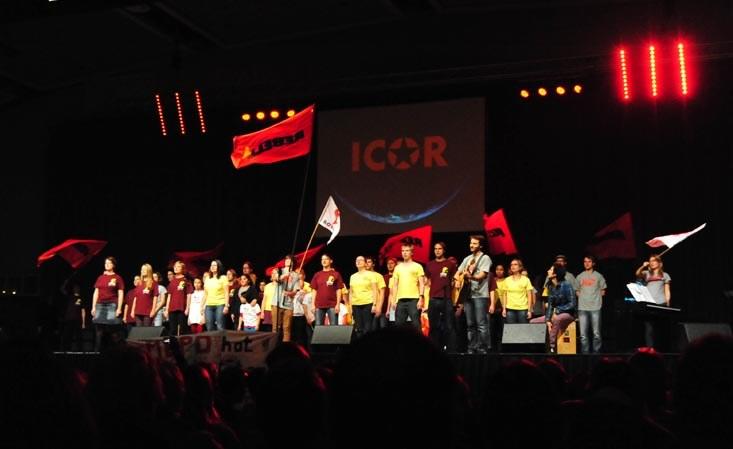 1.900 feierten in der Dortmunder Westfalenhalle den 30. Geburtstag der MLPD