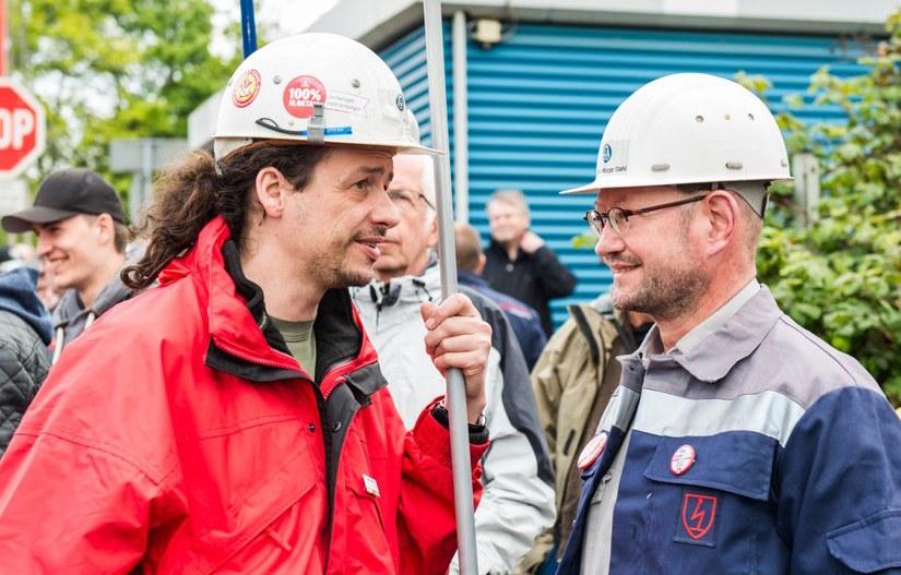 Internationale Arbeitereinheit - hier Stahlarbeiter (rf-foto)
