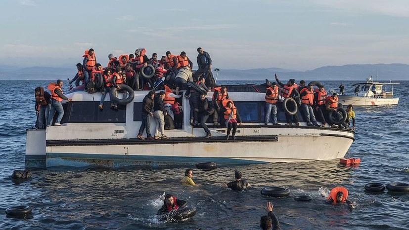 Faschisten wollen Flüchtlingshelfer attackieren