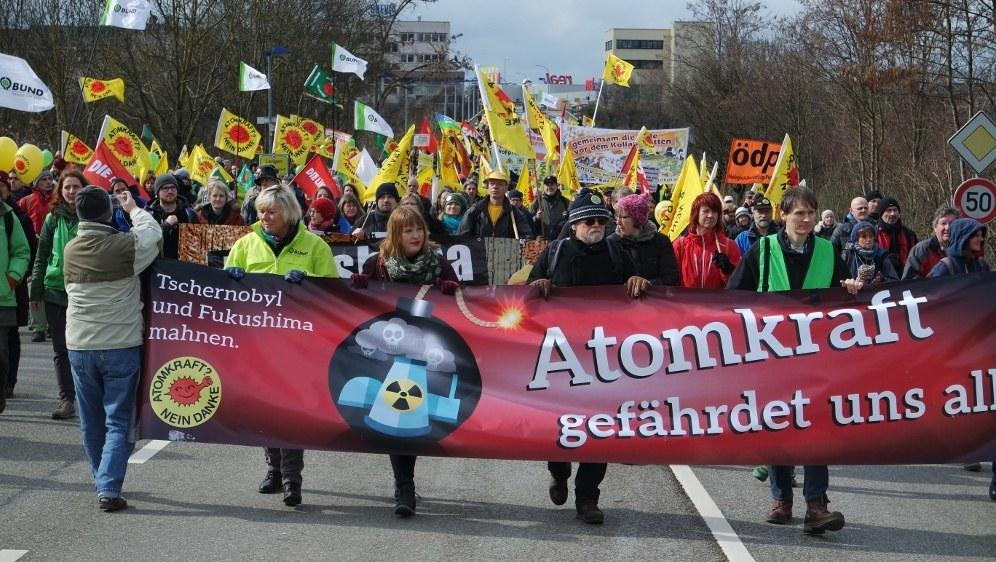 Umweltskandale in Japan und Deutschland stoßen auf Widerstand