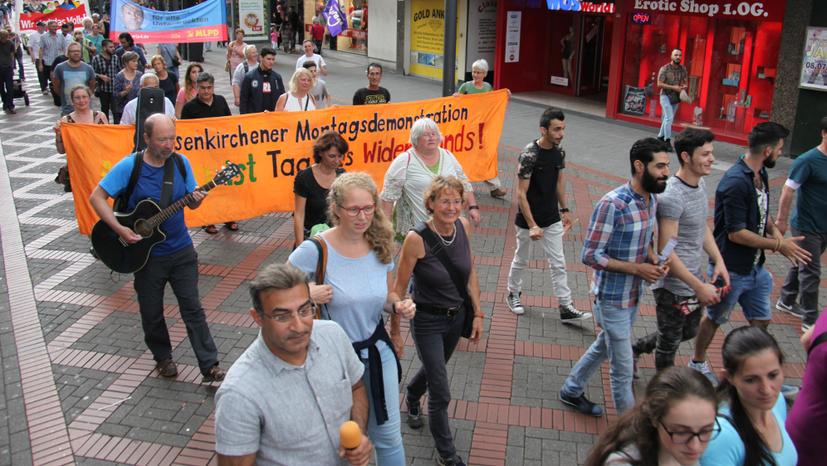 Demo  gegen die UN-Weltklimakonferenz mit  Bundesweiter Herbstdemo der Montagsdemonstrationsbewegung