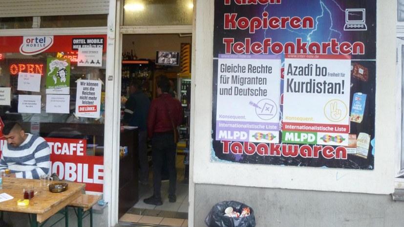 Plakate in Berliner Läden