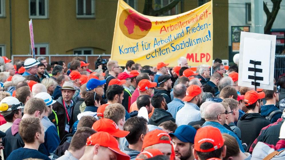 Die MLPD steht fest an der Seite der Kolleginnen und Kollegen (rf-foto)
