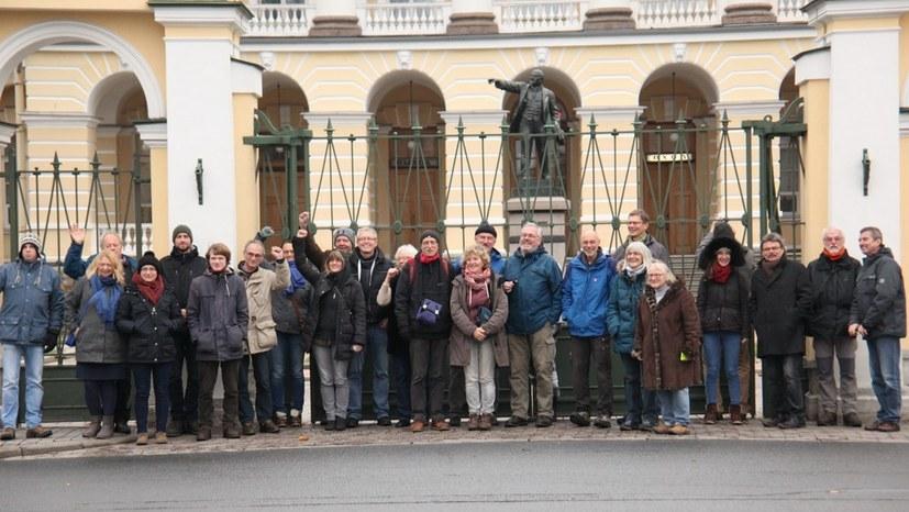 """Internationalismus Live: """"Zu den drei Tagen in St. Petersburg"""""""
