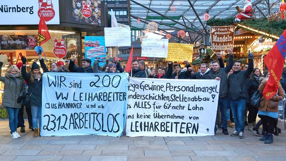Protestaktion der Leiharbeiter bei VW in Wolfsburg (Foto: RF)