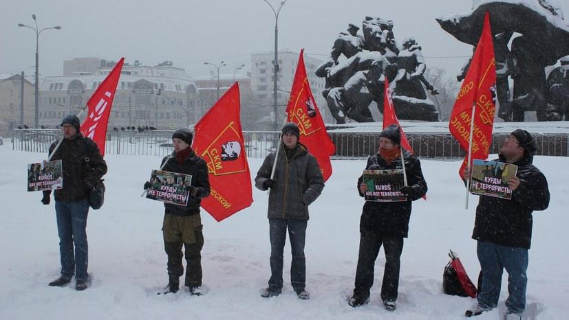 Union der Kommunistischen Jugend sendet heiße Kampfesgrüße aus der Kälte
