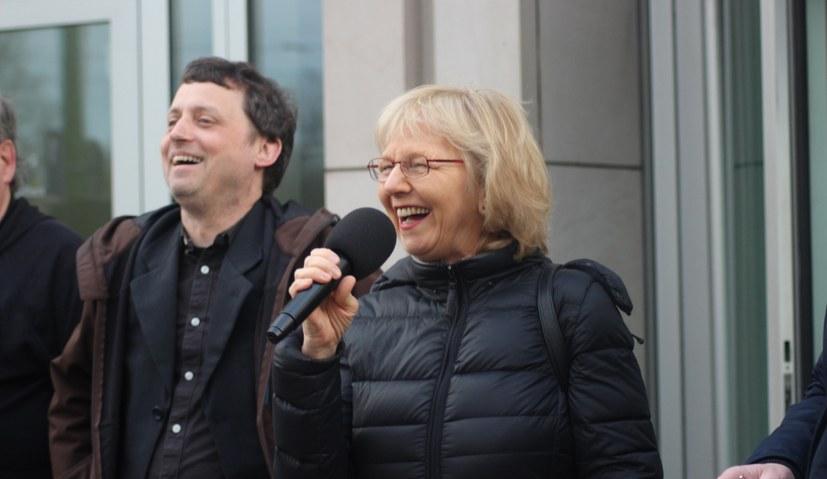 MLPD argumentiert vor Gericht überzeugend gegen Deutsche Bank