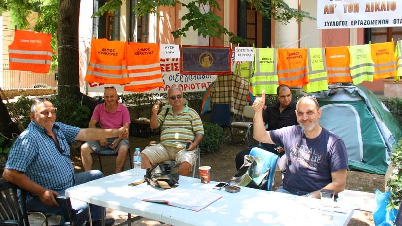 Besuch bei den kämpfenden Müllwerkern auf Korfu