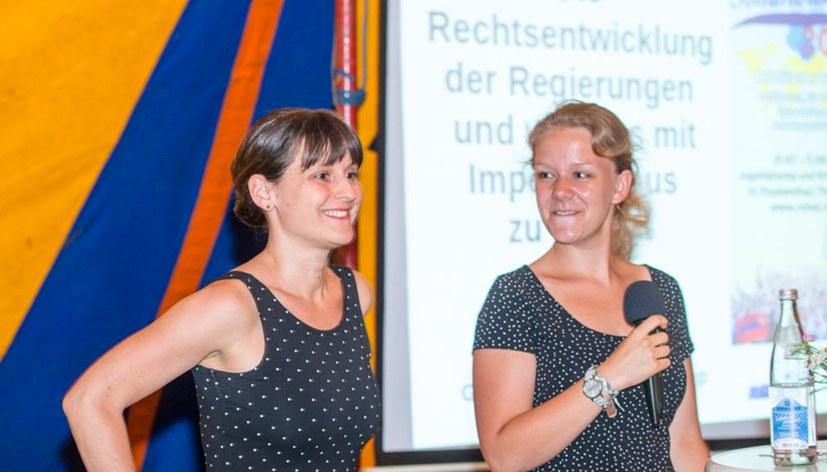 Gabi Fechtner auf dem Sommercamp – Klarheit über Rechtsentwicklung und Imperialismus