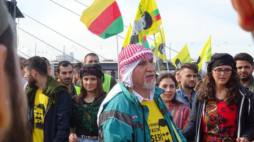 Trotz Polizeischikane: Erfolgreiche Großkundgebung des KCDK-E