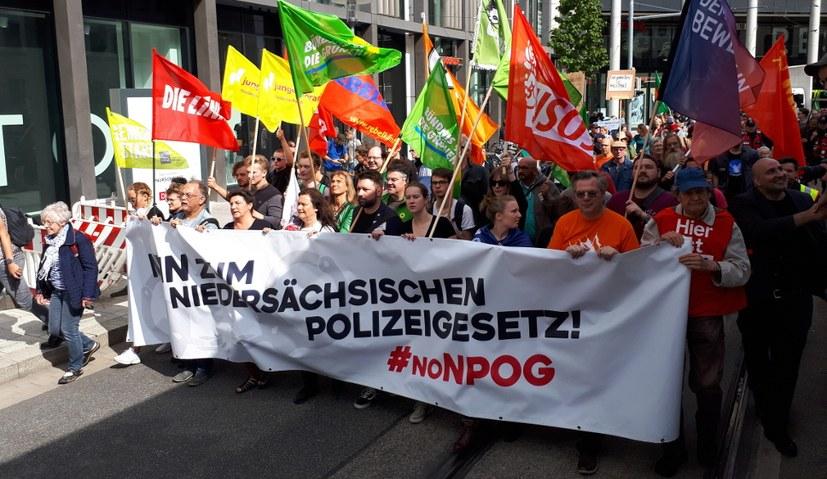 13.000 Menschen gegen das niedersächsische Polizeigesetz