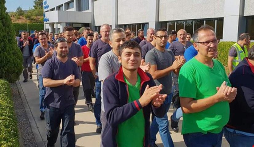 Delphi-Arbeiter streiken für ihre Tarifforderungen