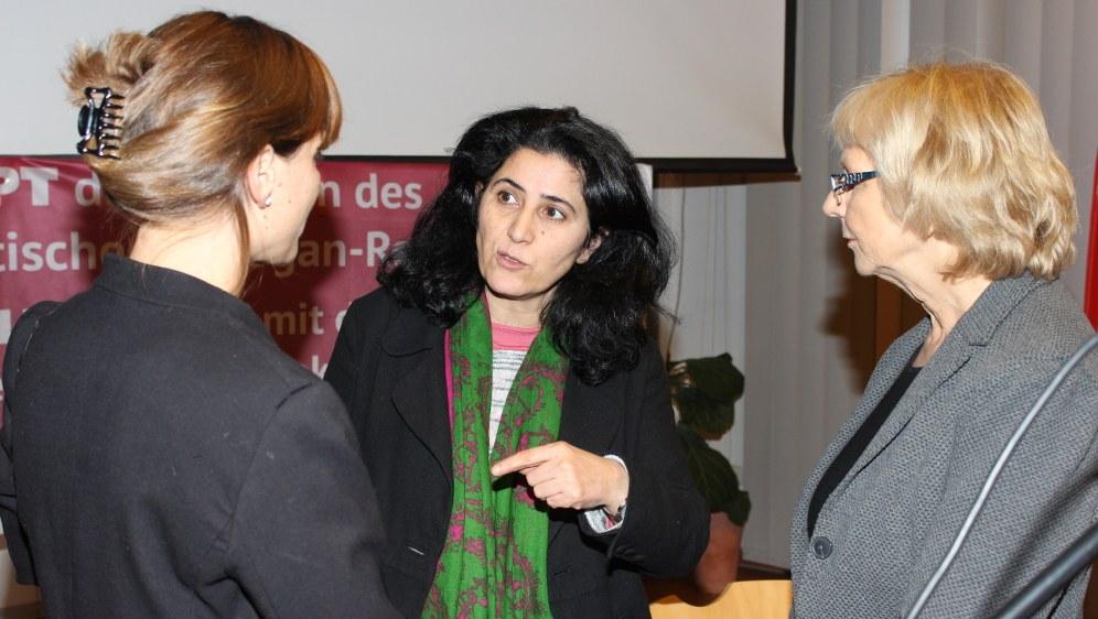 Gabi Fechtner, Nilüfer Koc und Monika Gärtner-Engel (Foto: RF)