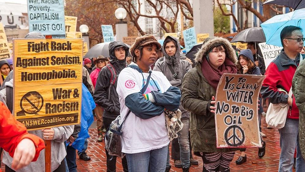 Protest gegen die Politik Donald Trumps anno 2016 (foto: Pax Ahimsa Gethen (CC BY-SA 4.0))