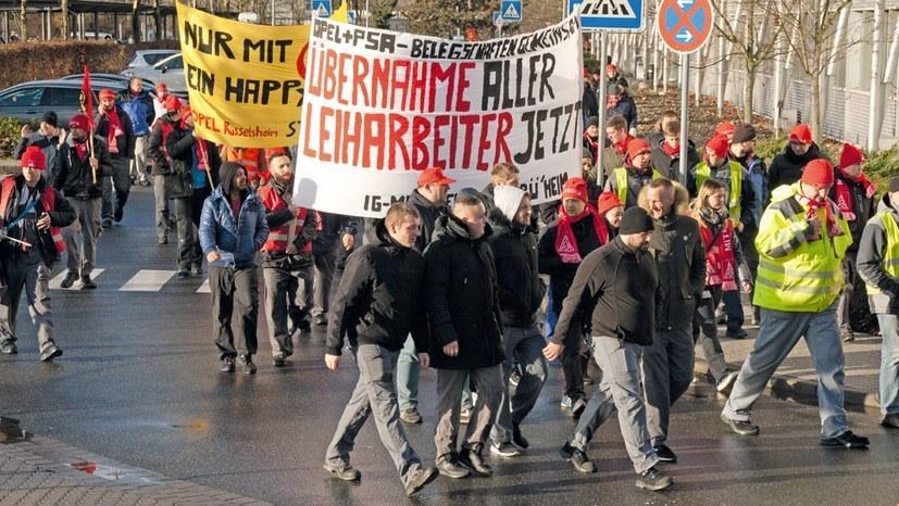 Kämpferische Belegschaften lassen sich nicht den Mund verbieten - hier bei Opel in Rüsselsheim zu Beginn diesen Jahres (rf-foto)