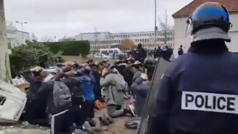 Festnahmen von Schülern in Mantes-La-Jolie (Frankreich)