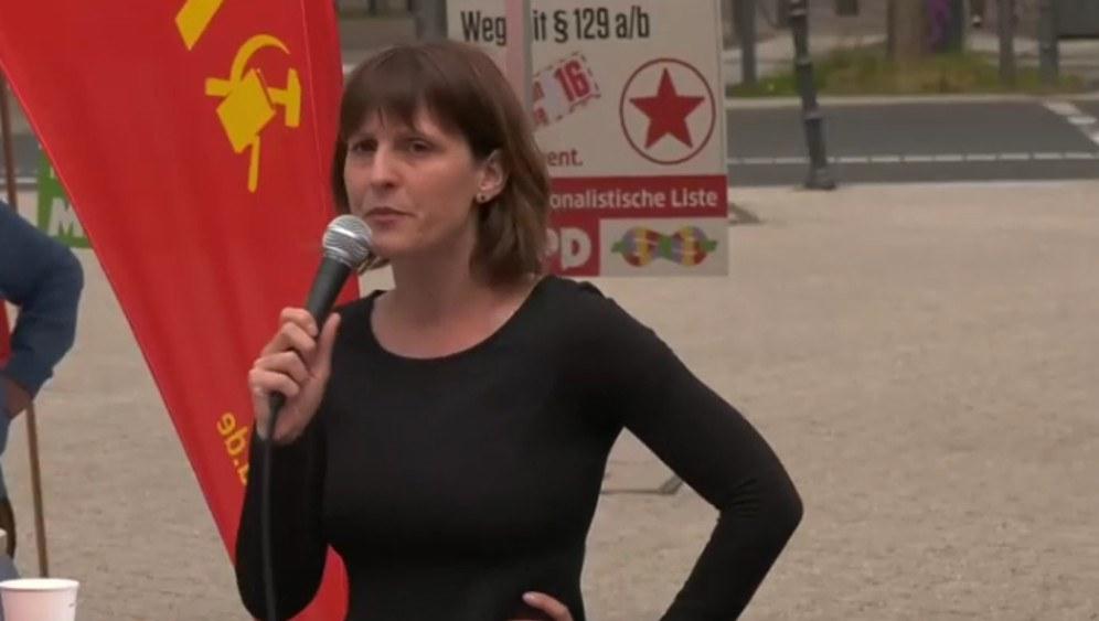 Kundgebung der Intenationalistischen Liste / MLPD mit Gabi Fechtner und Fritz Ullmann am 18. Mai 2019 in Wuppertal