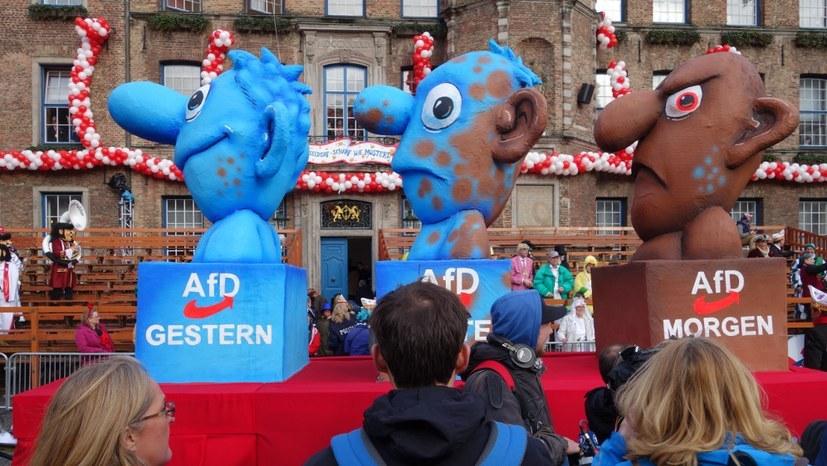 """""""Samthandschuhe"""" des Inlandsgeheimdienstes gegenüber der AfD"""