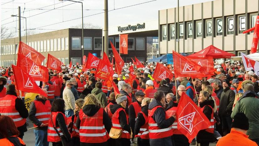 Warnstreikwelle in Deutschland - Generalstreik in Belgien