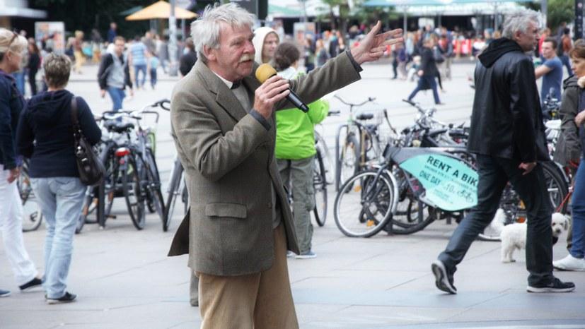 Montagsdemonstranten gedenken Hans-Heinrich Burmeisters