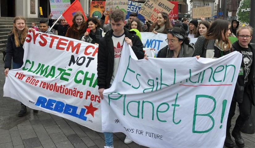 Hunderttausende auf der Straße gegen die Zerstörung der Umwelt
