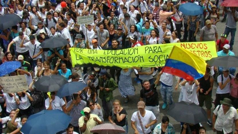 """Kolumbien: """"Mobilisierung gegen ein antidemokratisches Regime"""""""