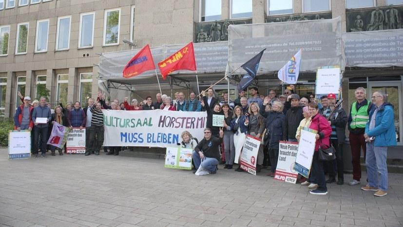 Protestspenden am Markttag gesammelt - Flyer erschienen
