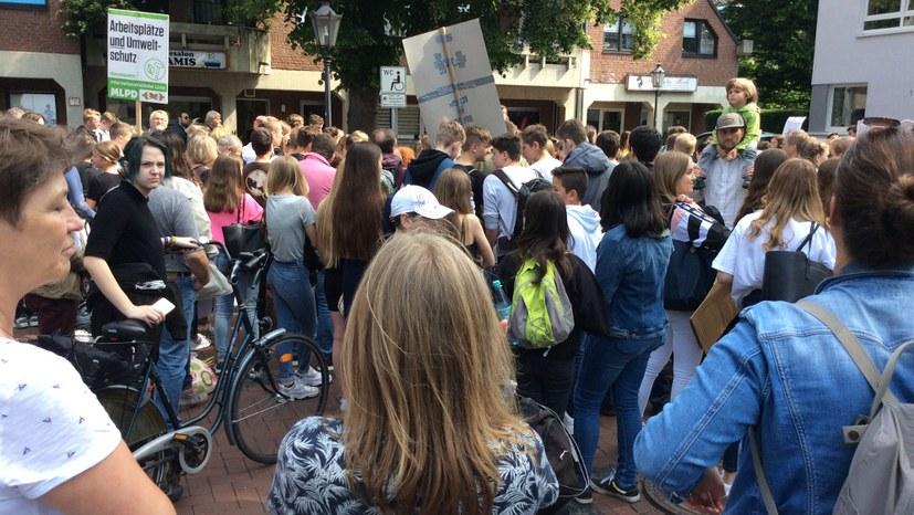 """Leserbrief zum Artikel der """"NRZ"""": """"200 Schüler demonstrieren fürs Klima"""""""