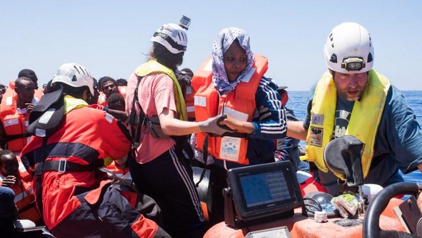 Für das Recht auf Flucht – Solidarität mit Carola Rackete