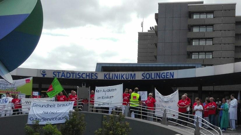 Proteste am Klinikum gegen Outsourcing