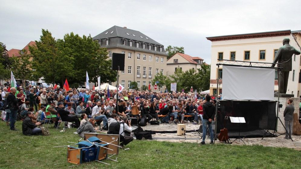 Über 700 Teilnehmerinnen und Teilnehmer waren gekommen (Foto: RF)