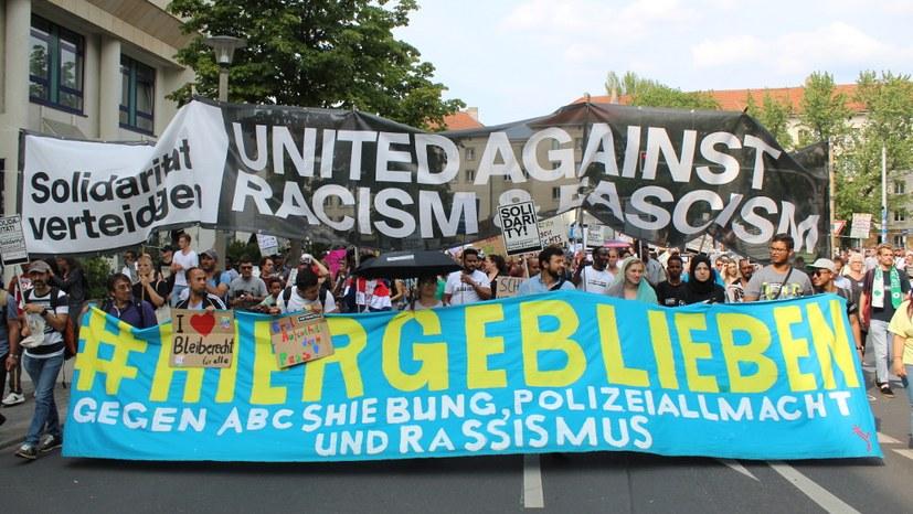 #Unteilbar: Mutmachende Demo gegen Rechtsentwicklung von Regierungen und bürgerlichen Parteien