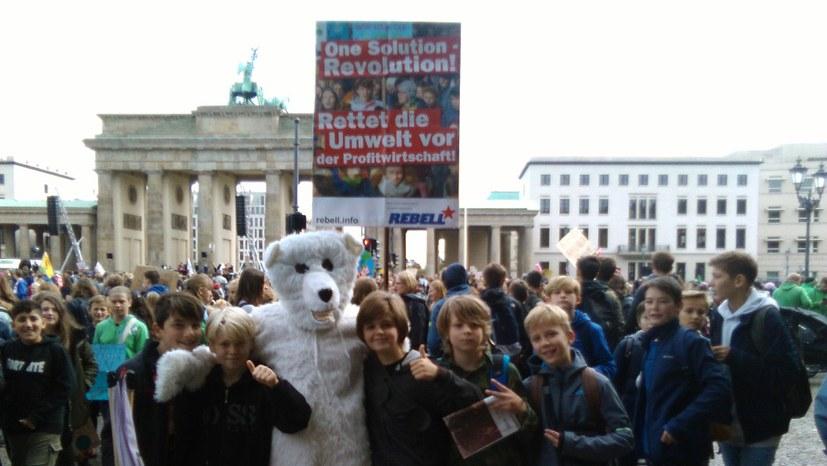 Überwältigend große Umweltdemonstration in Berlin