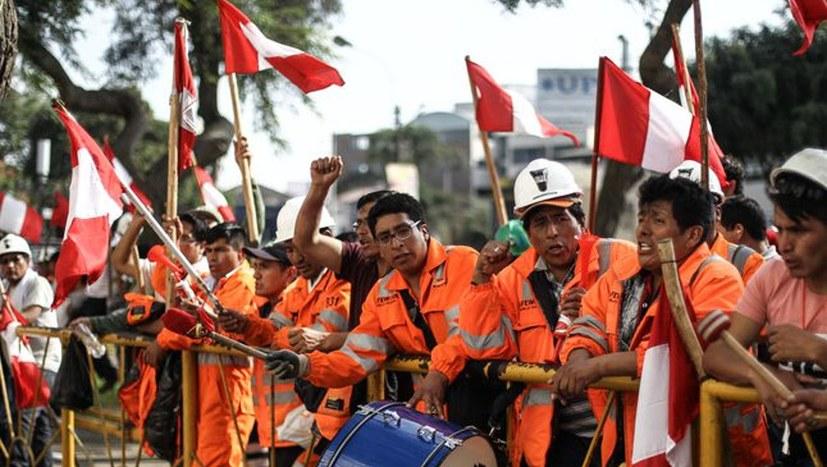 Bergarbeiter nehmen Streik wieder auf