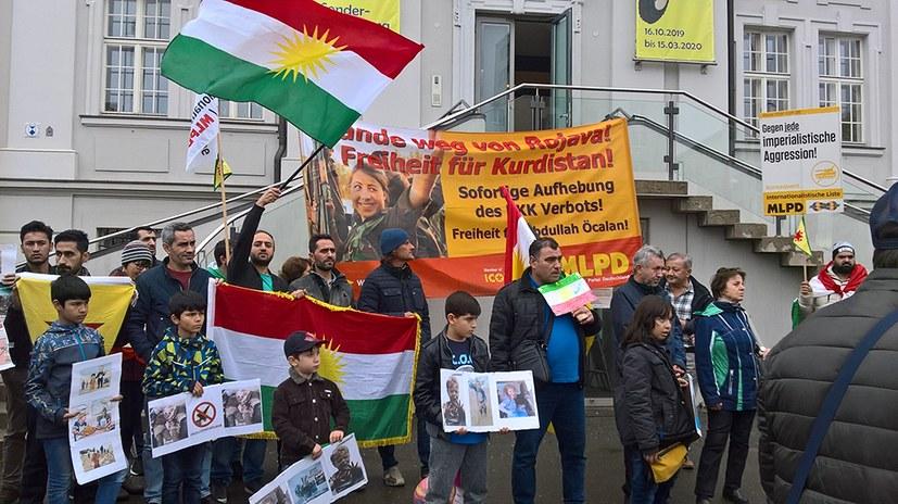 Solidarität mit dem kurdischen Freiheitskampf wächst - kämpferische Demos durchgekämpft