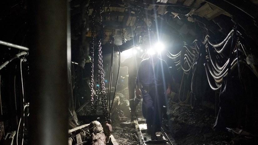 Über 100 Bergleute protestieren im Schiltal