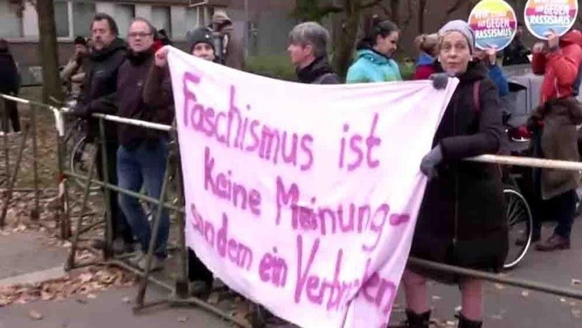 8500 Menschen demonstrierten gegen NPD und Skandalurteil