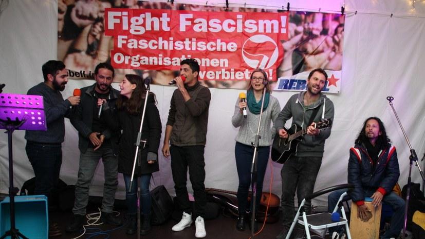 Antifaschistisches Konzert wird zur Siegesfeier der Solidarität