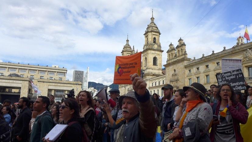 Erneut 35.000 Menschen in Bogotá auf der Straße