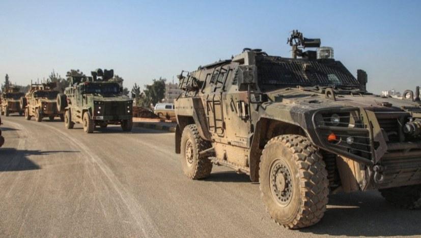 Faschistische Hilfstruppen mit türkischen Uniformen ausgestattet