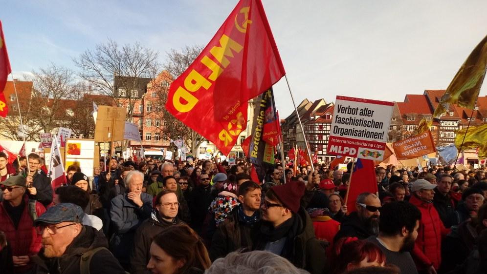 AfD im Krisenmanagement - beeindruckende antifaschistische Demonstrationen