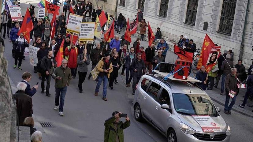 Internationalistisches Bündnis bildet kulturvollen kämpferischen Block