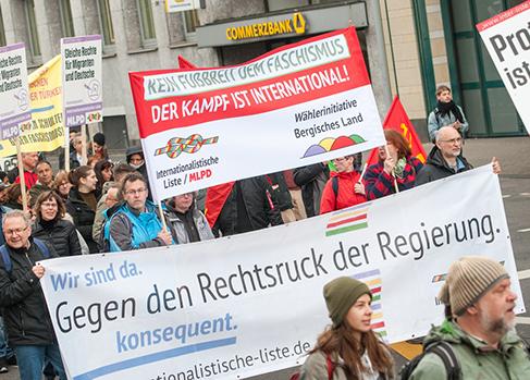 Wachsender Protest gegen Rechtsentwicklung der Regierung