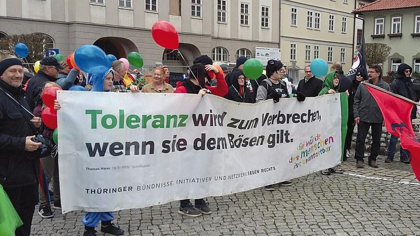 """""""Wir können über alles streiten, gegen Nazis müssen wir uns einig sein"""""""